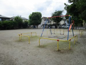 新田南公園:徒歩4分(約295m)