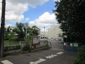 坪井中学校まで徒歩11分(約843m)