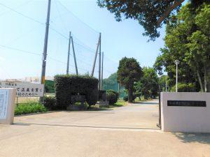 船橋市立御滝中学校:693m