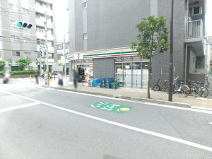 セブンイレブン市川駅南口店:40m